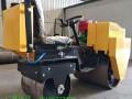 柴油小型压路机宣土泥土手扶式压实机全液压驾驶式压路机